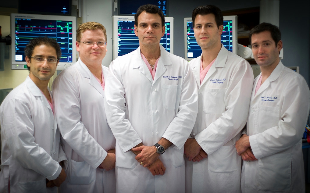 Dr Rodriguez (center) and his face transplant team
